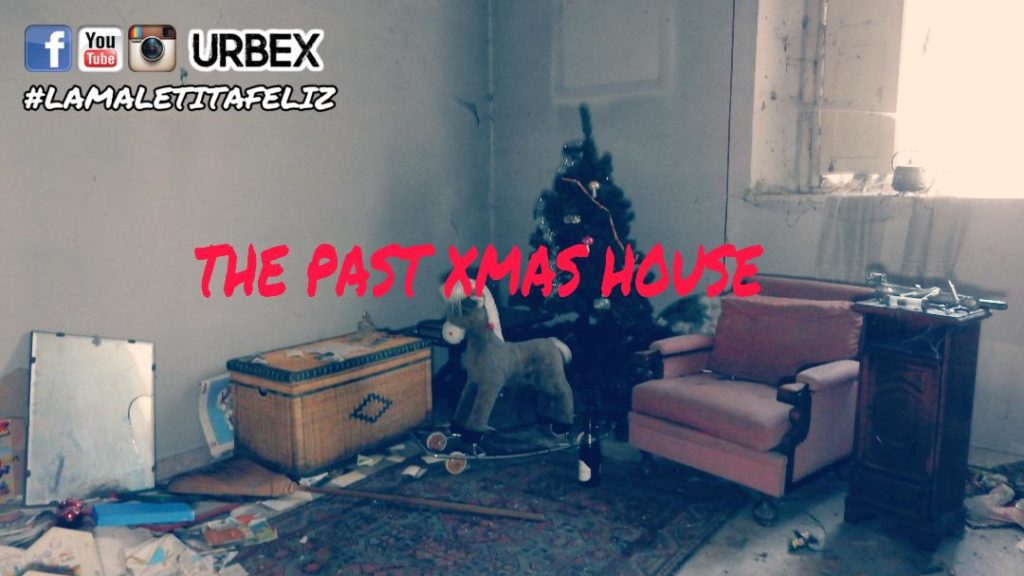 THE PAST CHRISTMAS HOUSE